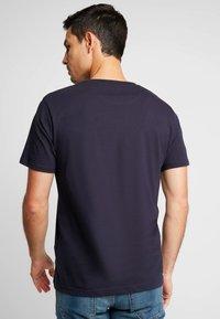 CELIO - NEBET - Basic T-shirt - navy blue - 2