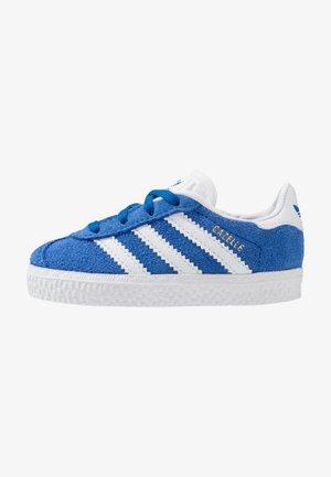 GAZELLE - Tenisky - blue/footwear white/gold metallic