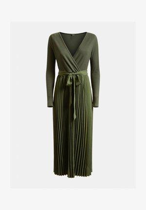 ERYNN PLEATED DRESS - Maxi dress - dunkelgrün