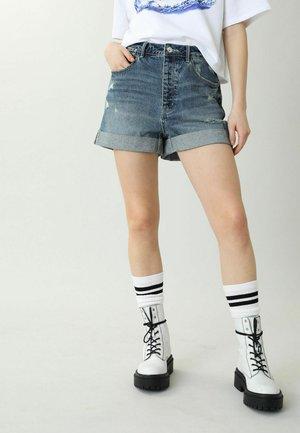 HIGH WAIST - Szorty jeansowe - denimblau