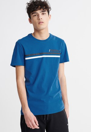 CORE LOGO SPORT STRIPE TEE - T-shirt med print - true blue
