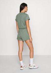 Even&Odd - SET - Sweatshirt and Short - Kraťasy - green - 3
