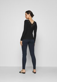 LOVE2WAIT - SOPHIA - Slim fit jeans - dark aged - 2