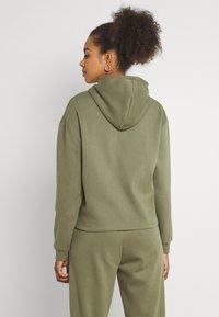 Pieces - Hoodie - deep lichen green - 2
