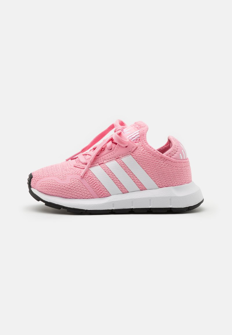 adidas Originals - SWIFT RUN X SHOES - Tenisky - light pink/footwear white/core black