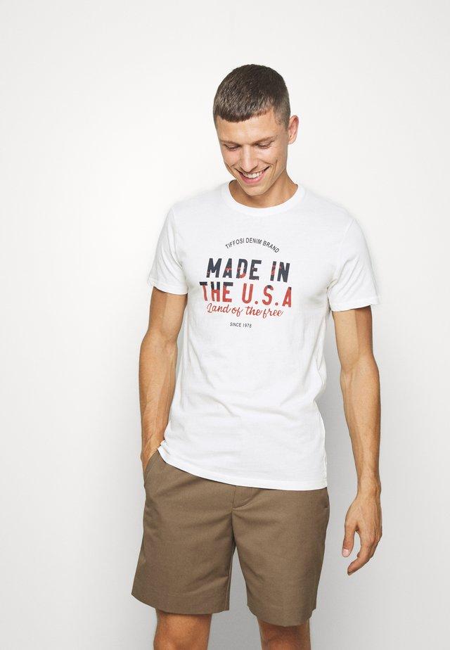 MEADROW - T-shirt z nadrukiem - star white