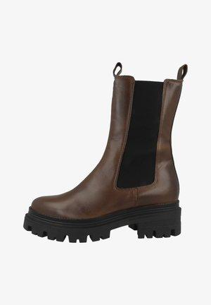 Platform boots - cognac leather