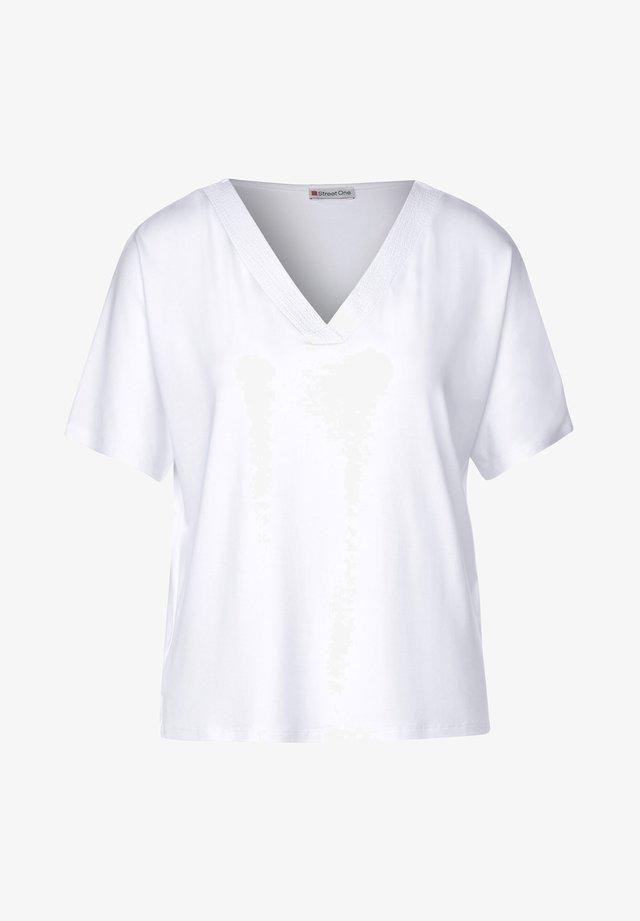 LÄSSIGES  IN UNIFARBE - Basic T-shirt - Weiß