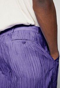 Hope - HIDE TROUSER - Trousers - purple - 3