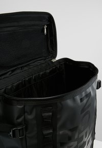 The North Face - BASE CAMP FUSE BOX UNISEX - Rucksack - black - 4