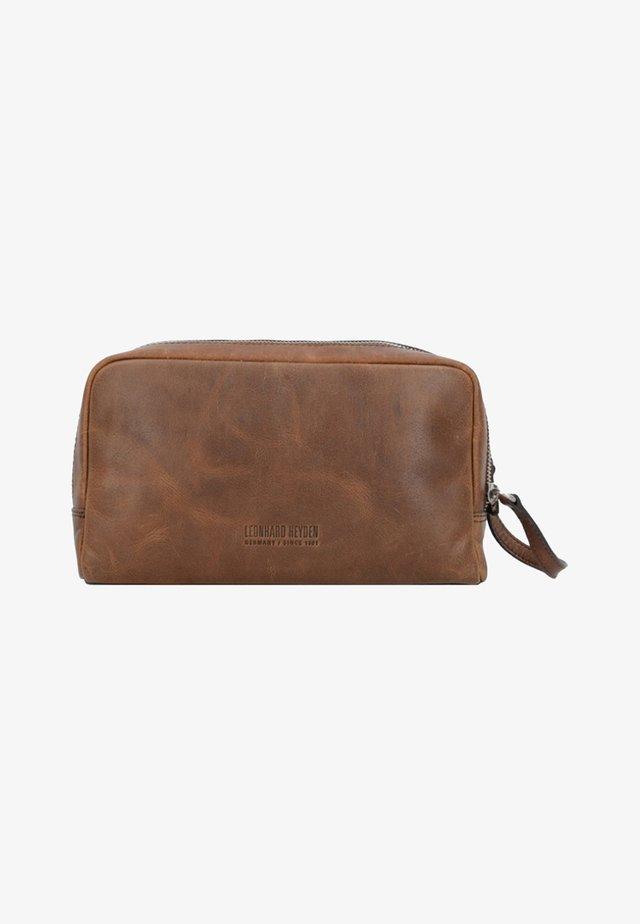 GLASGOW KULTURBEUTEL - Wash bag - brown