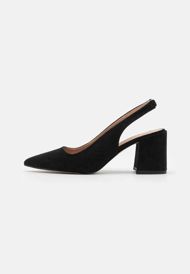 WIDE FIT DAFFEE COURT - Escarpins - black
