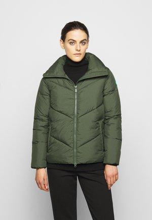 RECYY - Zimní bunda - thyme green