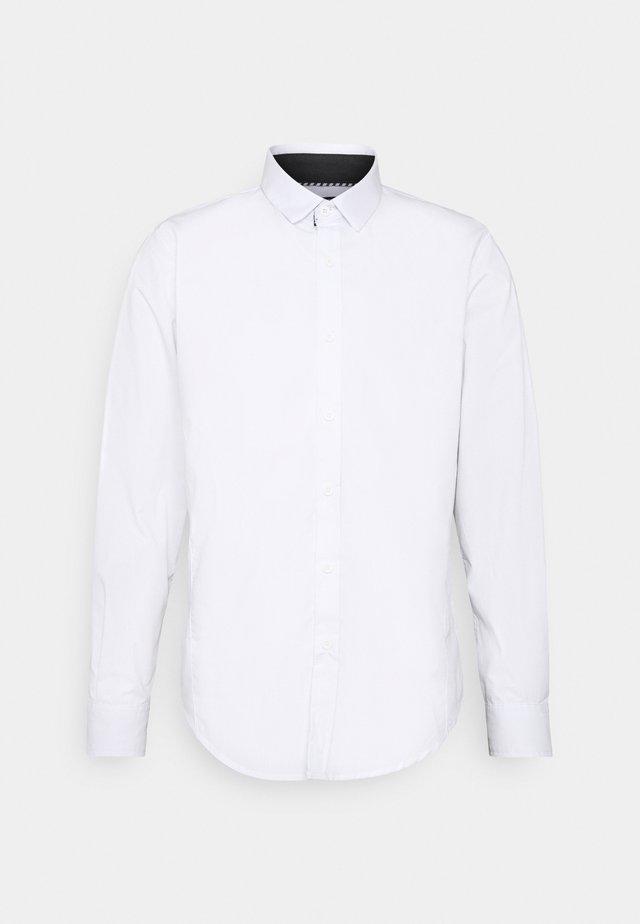 TUDORD - Koszula biznesowa - white