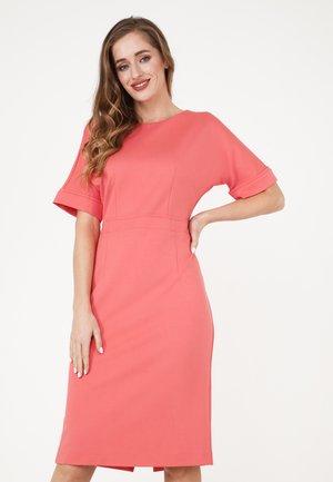 ALTEA - Shift dress - koralle