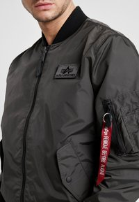 Alpha Industries - Giubbotto Bomber - grey/black - 5