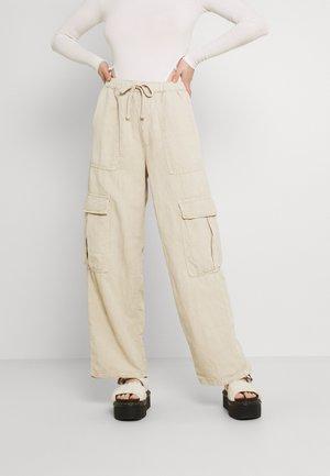 JESSYE LUCA PANT - Cargo trousers - stone