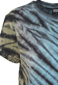 Urban Classics - Print T-shirt - black - 6