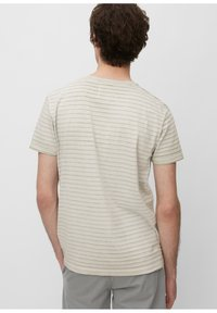 Marc O'Polo - T-SHIRT, SHORT SLEEVE, ROUND NECK, - Print T-shirt - griffin - 2