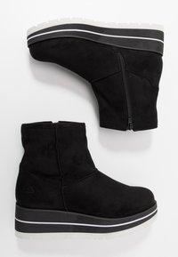 Bullboxer - Kotníkové boty na klínu - black - 3
