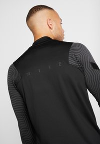 Nike Performance - DRY STRIKE DRILL - Sports shirt - black/anthracite - 4