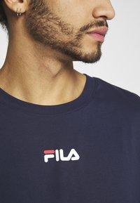Fila - BENDER - Camiseta estampada - black iris - 4