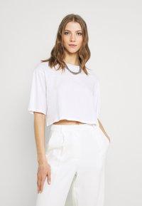 Monki - 2 PACK - T-shirts - black dark/white light - 1