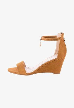 SAMLUCA - Wedge sandals - brown