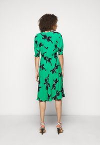 Diane von Furstenberg - JEMMA DRESS - Vapaa-ajan mekko - medium green - 2