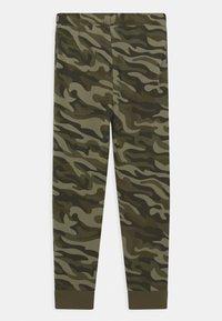 Converse - CAMO KNEE PATCH - Pantaloni sportivi - multi-coloured - 1
