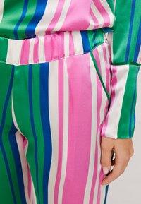Hesper Fox - EVIE PRINT BOTTOMS - Pyjama bottoms - pink/dark blue/white - 4