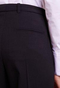 HUGO - HARILE - Kalhoty - black - 4