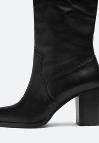 Uterqüe - High heeled boots - black - 4