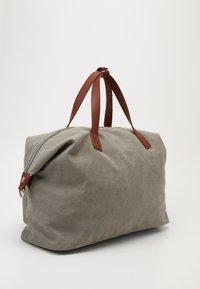 Pier One - UNISEX - Weekend bag - grey - 3