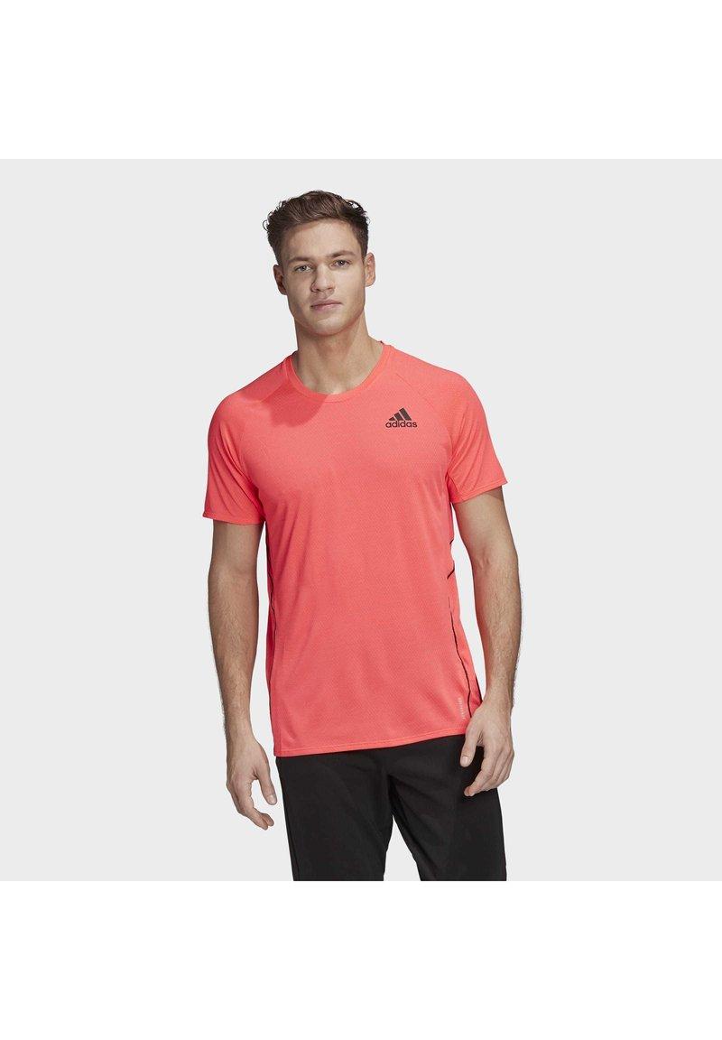 adidas Performance - RUNNER T-SHIRT - Print T-shirt - pink