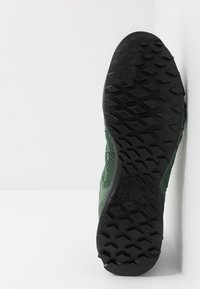 Salewa - MS WILDFIRE GTX - Outdoorschoenen - myrtle/fluo green - 4
