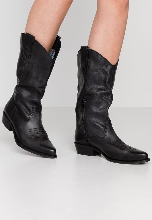 GERBBERA - Kowbojki i obuwie motocyklowe - lavado black