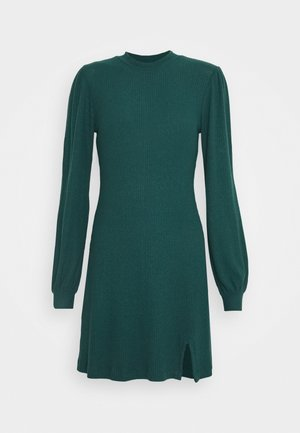 COZY SHORT DRESS - Sukienka dzianinowa - deep green