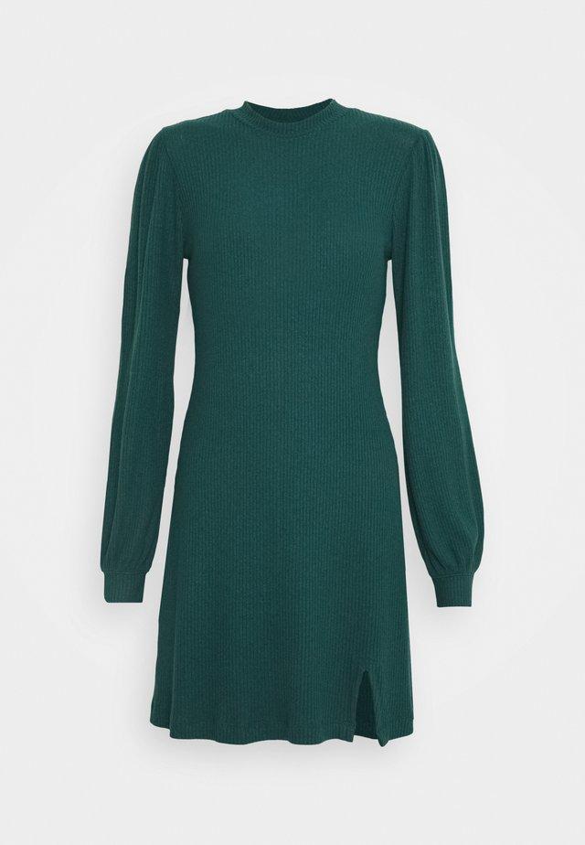 COZY SHORT DRESS - Jumper dress - deep green