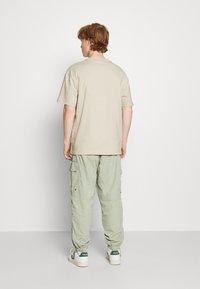 Weekday - OVERSIZED  - T-shirt - bas - beige - 2