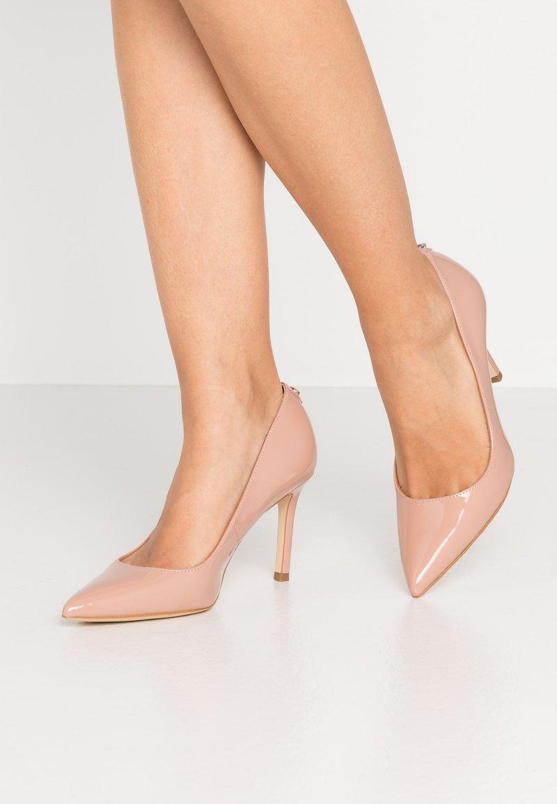 Guess - Classic heels - natural