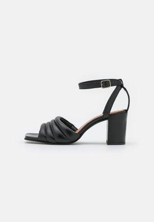 BERNE - Sandalias - black