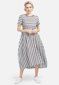 HELMIDGE - A-LINIEN-KLEID SOMMERKLEID - Day dress - grau - 0