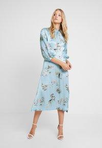 Closet - CLOSET GATHERED NECK A-LINE DRESS - Cocktail dress / Party dress - blue - 1