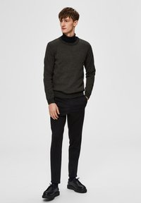 Selected Homme - SLHAIDEN  - Maglione - dark green - 1