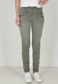 Buena Vista - Slim fit jeans - green - 0