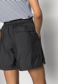 The North Face - HYDRENALINE WIND - Shorts - black - 4