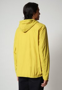 Napapijri - RAINFOREST CIRCULAR - Light jacket - yellow moss - 2