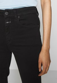 CLOSED - LEAF - Relaxed fit jeans - black - 6