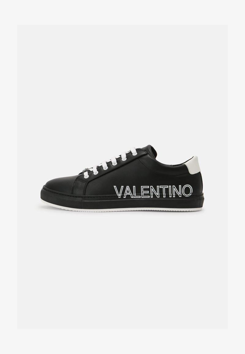 Valentino by Mario Valentino - Zapatillas - black/white